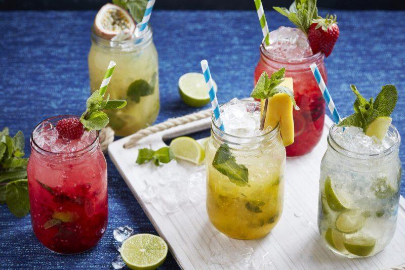 Theo các chuyên gia dinh dưỡng, một số loại nước uống bạn nên sử dụng sau ăn sáng để tăng khả năng hấp thụ. Vậy ăn sáng xong nên uống gì?