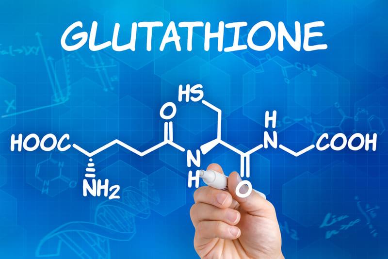 Glutathione là một phần trong cơ thể chúng ta và có những tác dụng rất quan trọng. Nếu bạn quan tâm đến sức khỏe, đừng bỏ qua kiến thức về loại chất hữu ích này. Chúng ta hãy cùng tìm hiểu tất tần tật về chất glutathione cùng lợi ích của nó nhé!