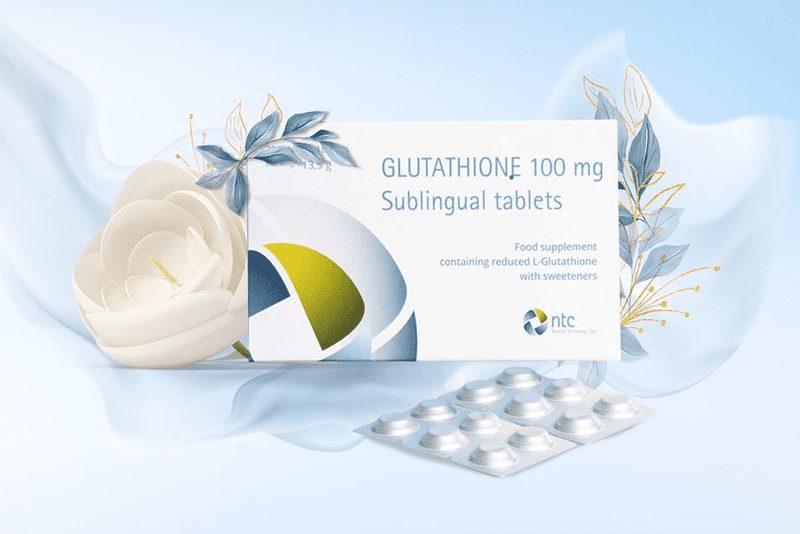 """Được đánh giá là """"bậc thầy của các chất chống oxy hóa, Glutathione được biết đến như một trong những chất có công dụng làm đẹp da tuyệt vời. Sản phẩm viên ngậm trắng da Glutathione ra đời là ứng dụng thiết thực để phát huy công dụng sẵn có của dưỡng chất này. Cùng tìm hiểu xem viên ngậm này có thành phần gì, công dụng ra sao, có tốt không,..."""